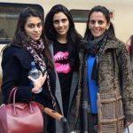 श्लोका मेहता अपनी माँ और बहन के साथ