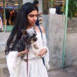 ख़ुशी कपूर अपने कुत्ते के साथ