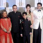 निखिल नंदा और श्वेता नंदा अमिताभ बच्चन के परिवार के साथ