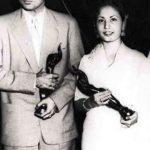 मीना कुमारी फिल्मफेयर पुरस्कार के साथ