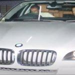 सलमान खान अपनी बीएमडब्ल्यू एक्स 6 कार में