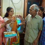अनु कुमारी अपने परिवार के साथ