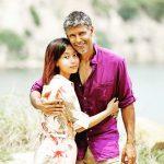 मिलिंद सोमन अपनी पत्नी अंकिता कोनवर के साथ