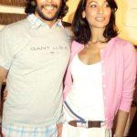 मिलिंद सोमन मधु सप्रे के साथ