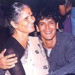 मिलिंद सोमन अपनी माँ के साथ