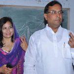 कैप्टेन अभिमन्यु अपनी पत्नी के साथ