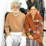 हरभजन सिंह अपने माता पिता और बहन के साथ