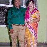 संजीव श्रीवास्तव अपनी पत्नी के साथ