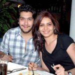 करिश्मा तन्ना बप्पा लाहिरी के साथ