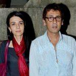 कुमार गौरव अपनी पत्नी के साथ