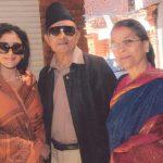 मनीषा कोइराला अपने माता-पिता के साथ