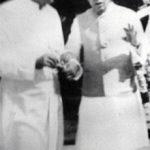 राजा बजरंग बहादुर सिंह जवाहर लाल नेहरू के साथ