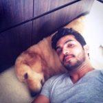 अर्जुन बिजलानी अपने कुत्ते के साथ