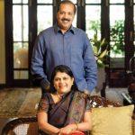 फाल्गुनी नायर अपने पति के साथ