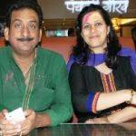 हेमंत पांडे अपनी पत्नी के साथ