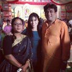 रीत मजूमदार अपने माता-पिता के साथ