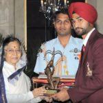 संदीप सिंह अर्जुन पुरस्कार ग्रहण करते हुए