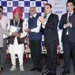 महाशय गुलाटी एबीसीआई वार्षिक पुरस्कारों में 'इंडियन ऑफ़ द ईयर' पुरस्कार के साथ