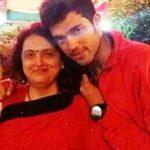 पार्थ समथान अपनी माता के साथ