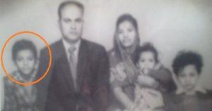 राजीव दीक्षित बचपन के दिनों में अपने परिवार के साथ