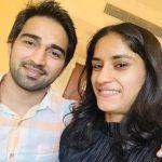 विनेश फोगाट सोमबीर राठी के साथ