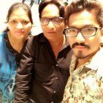 हर्ष अपने माता-पिता के साथ