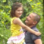 निर्मल सिंह अपनी बेटी के साथ