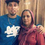 कम्बी अपनी माता के साथ