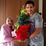 आदित्य अपनी दादी के साथ