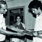 रजनी तेंदुलकर अपने पति और बेटे के साथ
