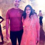 शिवम दुबे अपनी बहन के साथ