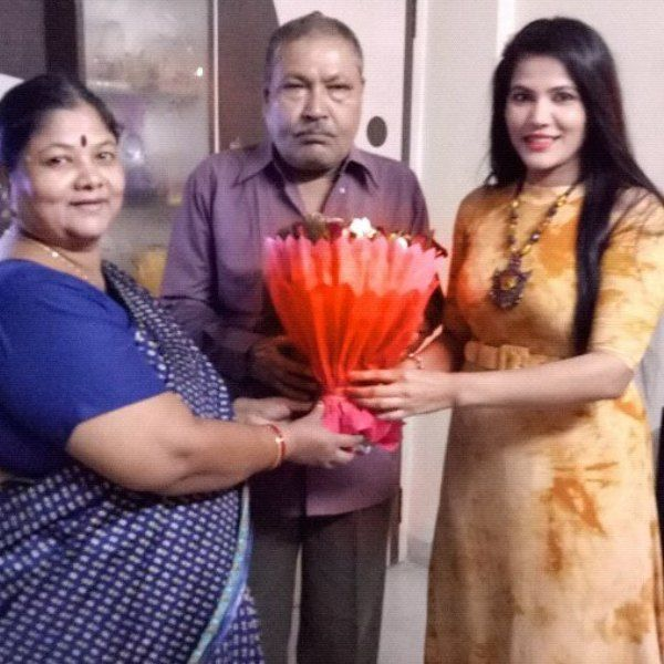 Seema Singh with her parents