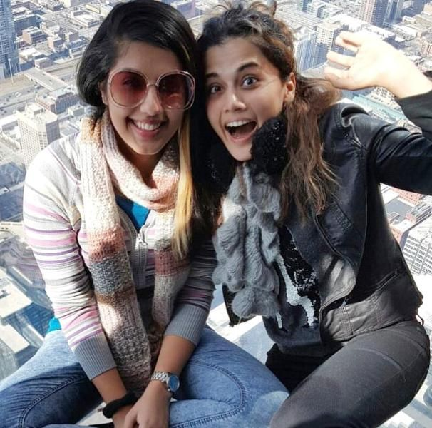 Taapsee Pannu with her sister