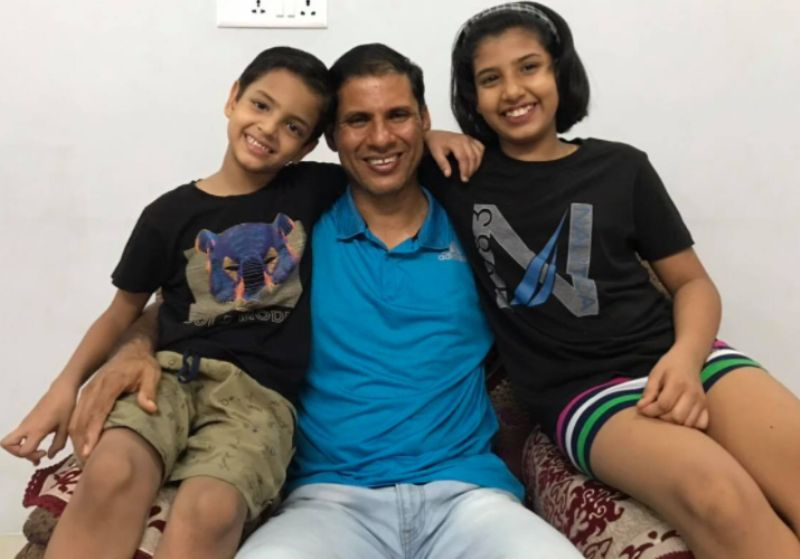 Devendra Jhajharia with his son and duaghter