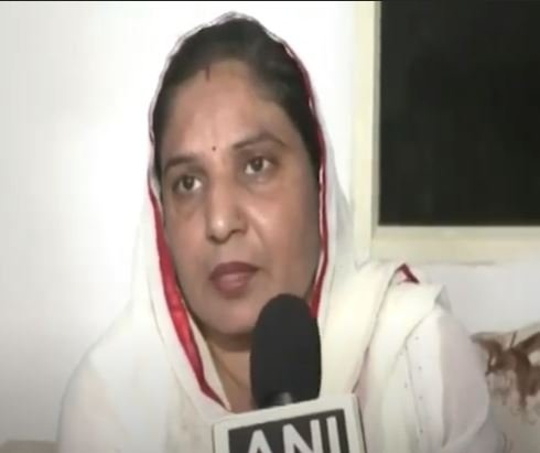 Manish Narwal's mother